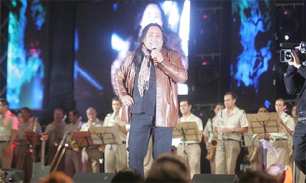 Sergio Galleguillo en la tercera noche del Festival de Jesús María 2014. © Carlos Paul Amiune