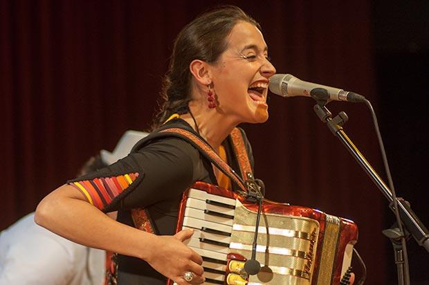 Pascuala Ilabaca también participó en el festival BarnaSants 2013 © Xavier Pintanel
