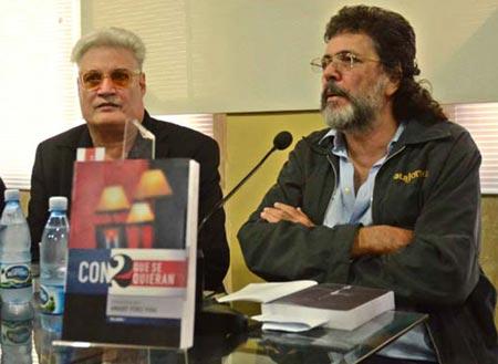 Amaury Pérez y Abel Prieto en la presentación del libro «Con 2 que se quieran». © Anabel Díaz Mena