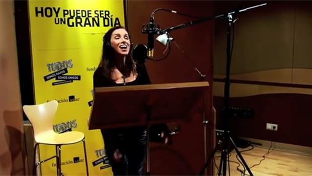 Ana Belén interpretando «Hoy puede ser un gran día» © RTVE