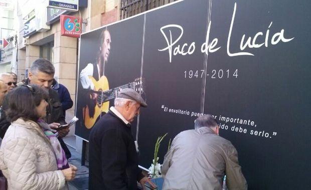 El Teatro Real de Madrid acogerá la primera capilla ardiente de Paco de Lucía.