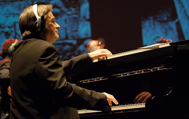Enric Colomer se hizo cargo de los arreglos y la dirección musical de una extraordinaria banda. © Xavier Pintanel