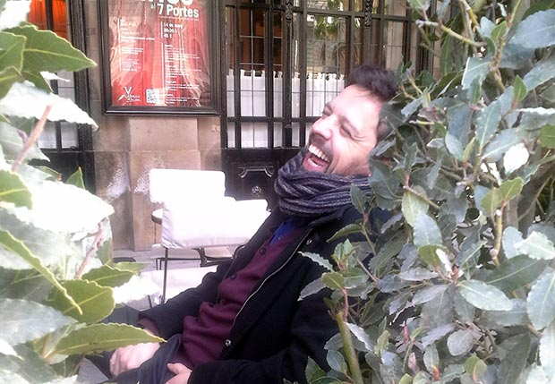 Andreu Rifé en la puerta del restaurante barcelonés «Set portes» donde se celebró ayer la conferencia de prensa. © Xavier Pintanel