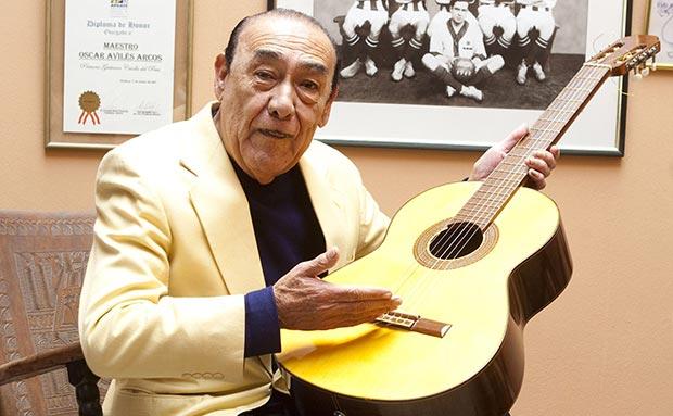 Óscar Avilés, la «primera guitarra del Perú».