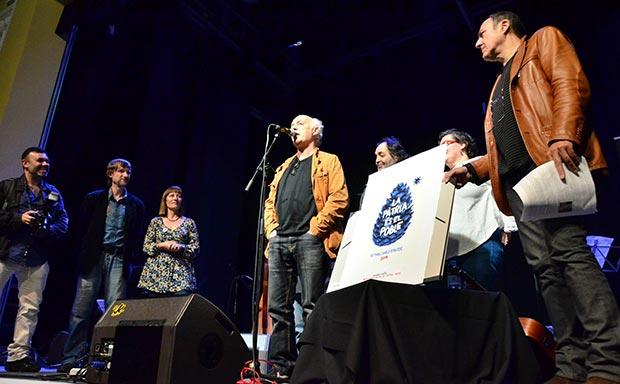 Joan Isaac recibe el premio excepcional de la crítica por su espectáculo «Cançons d'amor i anarquia». © Núria Trulla Macia