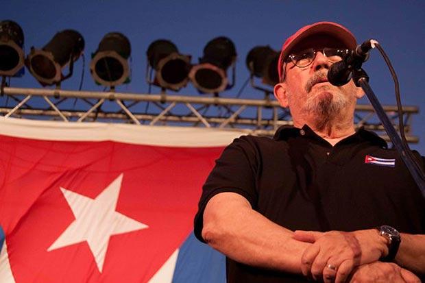 Silvio Rodríguez en la gira por los barrios. © Alejandro Ramírez Anderson