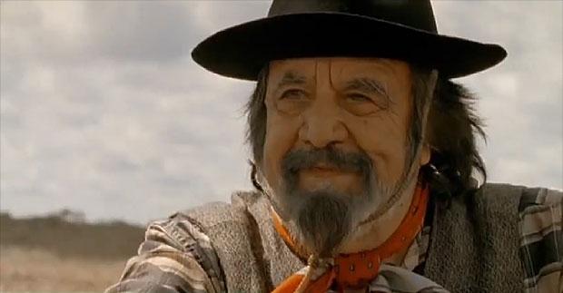 Horacio Guarany en un fotograma de la película «El grito en la sangre».