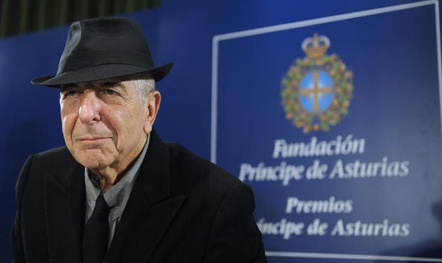 Leonard Cohen recibiendo el Premio Príncipe de Asturias de las Letras 2011.