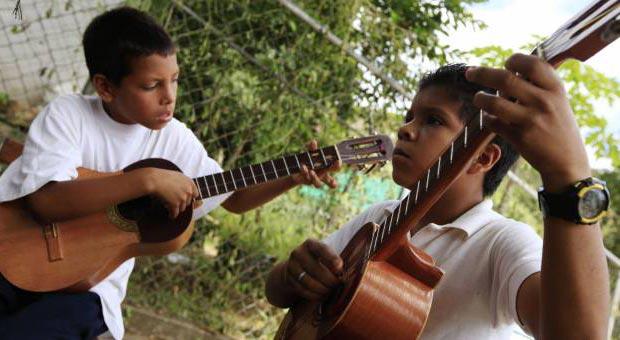 Programa «Cuatro cuerdas, una patria»