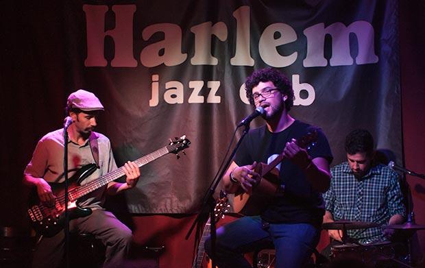 Dionisio López,  José Alejandro Delgado y Pancho Montañez en el Harlem Jazz Club de Barcelona.