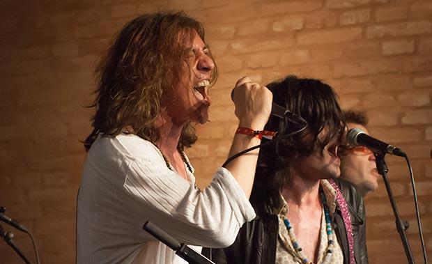 Gerard Quintana y Xarim Aresté: «El rock intenta ser una esponja de tu realidad que te envuelve». © Xavier Pintanel
