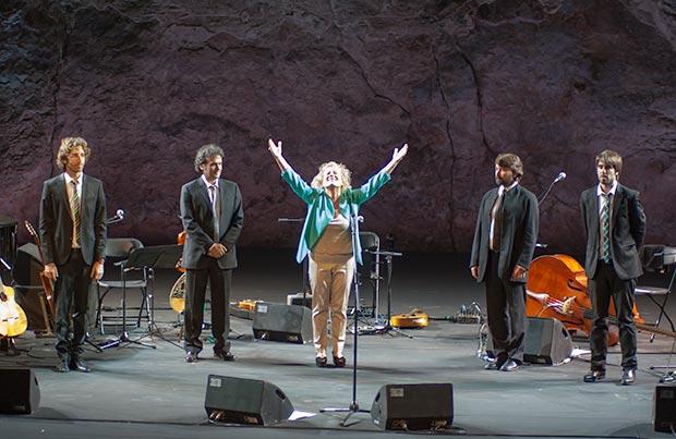 De izquierda a derecha: Xavi Lloses Huguet, Juan Aguiar Torres, Marina Rossell, Miquel Àngel Cordero, Pau Figueres © Xavier Pintanel
