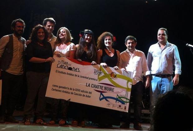 Los ganadores y finalistas del Certamen de Canción de Autor del IAJ 2014. © EP