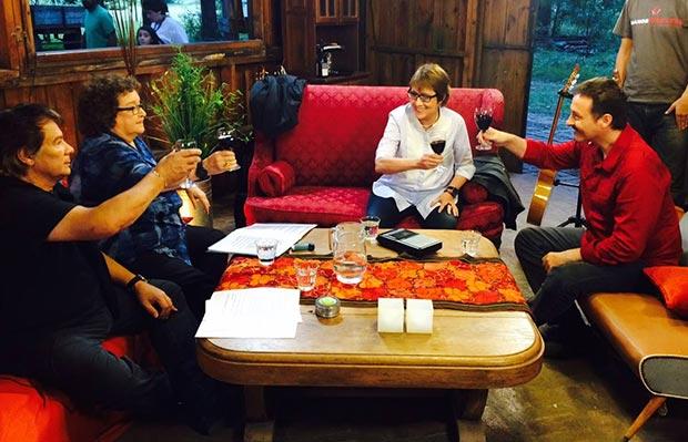 Teresa Parodi con Víctor Heredia, Marián Farías Gómez y Pedro Aznar en la estancia Cinacina de San Antonio de Areco.