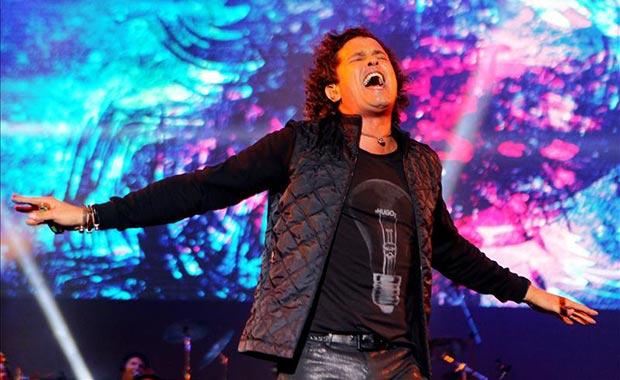 El cantante colombiano Carlos Vives, durante su concierto «Más Corazón Profundo», el sábado 6 de septiembre de 2014, en Bogotá (Colombia). © EFE