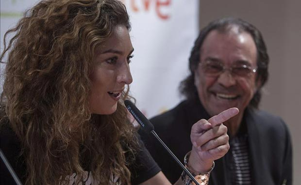 La cantaora Estrella Morente y el guitarrista Pepe el Habichuela, durante la presentación hoy del espectáculo «Flamenco Sinfónico». © EFE