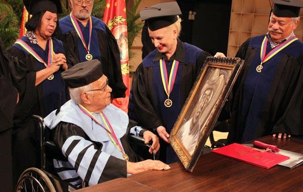 Juan Vicente Torrealba recibió Doctorado Honoris Causa de la Universidad Simón Rodríguez. © Ciudad CSS