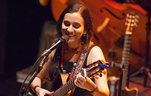 Marta Gómez presentó en Barcelona su nuevo disco «Este instante» © Xavier Pintanel