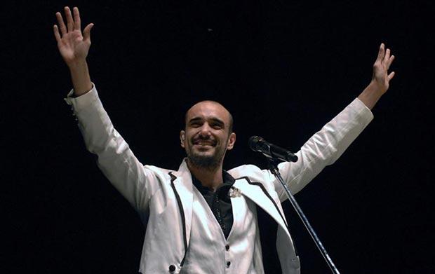Abel Pintos hizo vibrar el Estadio Único de La Plata con sus canciones, © Carlos Cermele/Télam