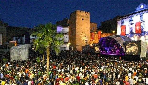 La CNMC impone una multa de 3,1 millones de euros a la SGAE por tarifas abusivas en los conciertos.