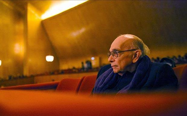 El maestro fundador del Sistema de Orquestas de Venezuela, Jose Antonio Abreu, asistió ayer domingo 16 de noviembre del 2014, a un concierto en el Teatro Konserthuset de Gotemburgo, Suecia. © EFE