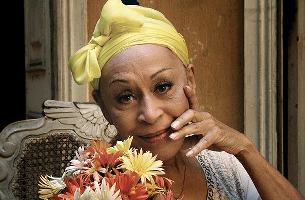 Omara Portuondo: «A los 27 años era tan joven como ahora, pero con la voz menos gruesa».