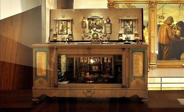 Fotografía facilitada por el Museo del Fado, de Lisboa, de la casa de muñecas de su exposición permanente inspirada en el famoso fado «Casa das Mariquinhas».