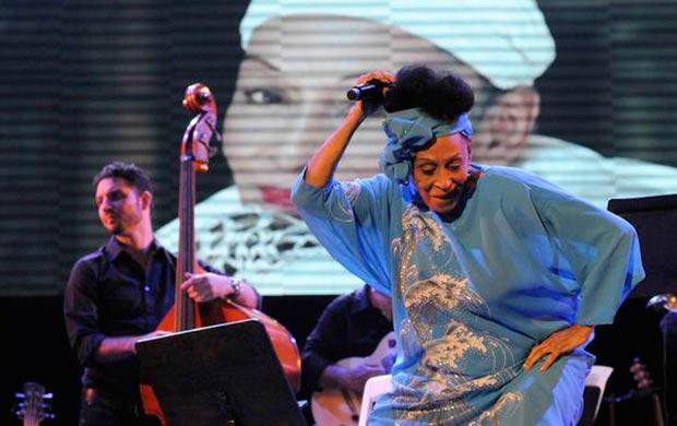 Omara Portuondo en el Teatro Mella de La Habana. © Roberto Morejón Rodríguez/AIN
