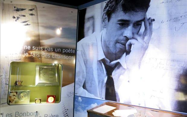 Vista de la exposición bruselense «J'aime les belgues» («Amo a los belgas»), una muestra que desde hoy explora la cara más íntima del cantautor Jacques Brel, un artista apasionado por su país.