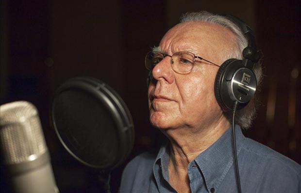 El cantante portugués Carlos do Carmo que, a sus 75 años, continúa la senda iniciada por Amália Rodrigues para dotar al fado de una dimensión internacional.