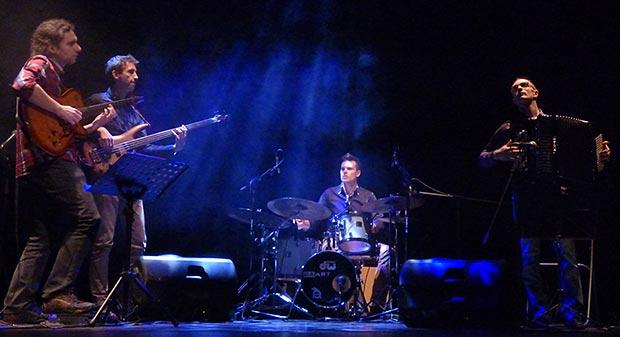 AzzanGo presentaron «Mediterranée» en el Teatre Principal de Arenys de Mar (Barcelona). © Federico Francesch