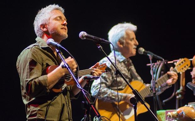 Martín Buscaglia y Kiko Veneno el pasado 26 de febrero en el Auditori de Barcelona, en el marco del festival BarnaSants. © Xavier Pintanel