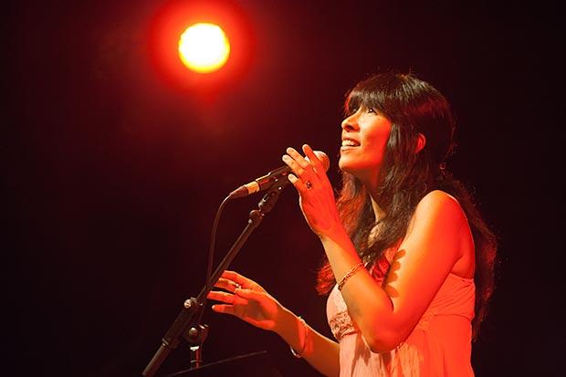 Miryam Quiñones en el Auditori Barradas. © Xavier Pintanel