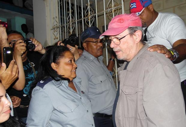 Silvio Rodríguez, «Gira por los Barrios» concierto 63, barrio Zamora, Marianaos © Karol Yisetl Ramírez Murillo