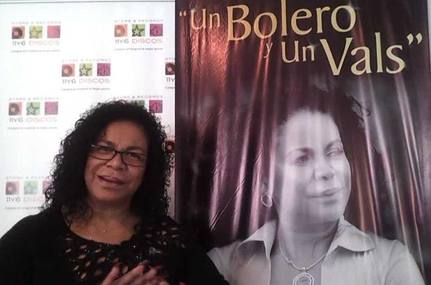 Eva Ayllón presenta «Un bolero y un vals».