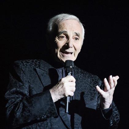 Charles Aznavour en el Barclaycard Center de Madrid. © EFE