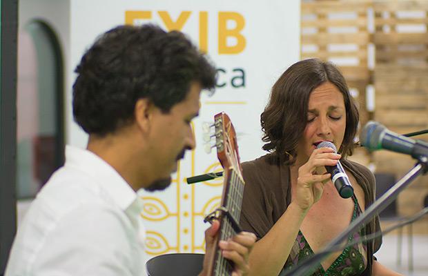 El peruano Gaddafi Núñez y la argentina Ana K. García presentaron su documental «Granda» dedicado a la gran Chabuca Granda y ofrecieron un mini-concierto en vivo después de su exhibición. © Xavier Pintanel