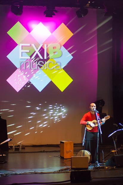 El argentino Juan Iñaki, dueño de una potente voz, ofreció un repertorio de clásicos argentinos. © Xavier Pintanel
