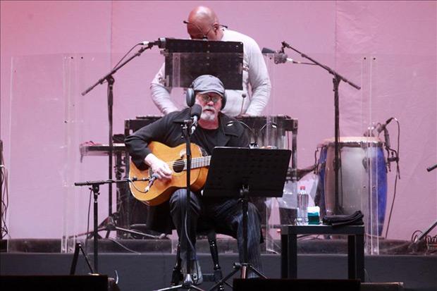 El cantautor cubano Silvio Rodríguez se presentó en concierto, este 20 de mayo, en Santiago de Chile. © José Miguel Caviedes/EFE