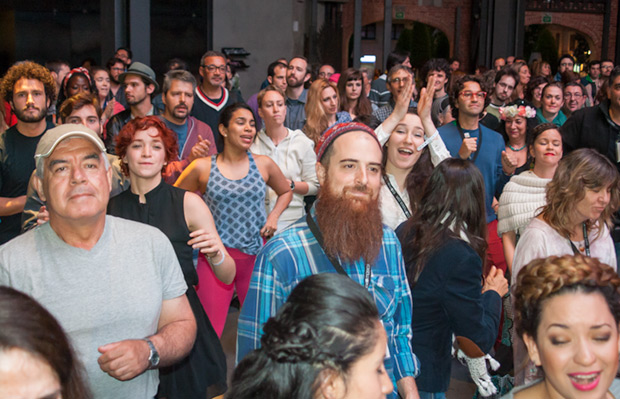 Francisco Pacheco y su grupo pusieron a bailar a músicos, mánagers y programadores. © Xavier Pintanel