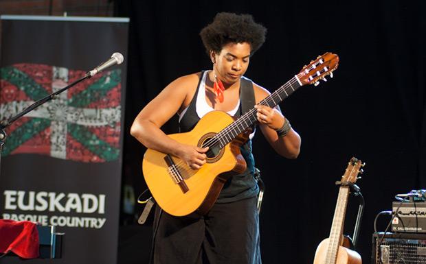 La cubana Yusa, un torbellino musical que no dejó a nadie indiferente. © Xavier Pintanel