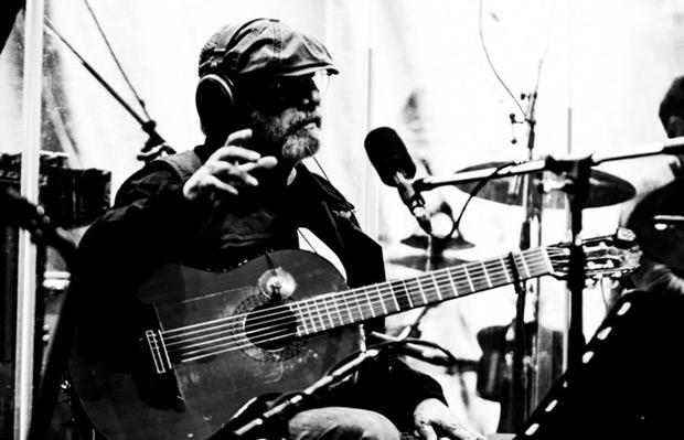 Silvio Rodríguez en las pruebas de sonido del primero de los conciertos en el Luna Park. © Kaloian Santos Cabrera