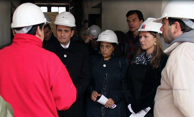 Autoridades regionales dieron inicio a las obras de restauración y puesta en valor de la casa Natal de Violeta Parra en San Carlos (Chile). © Consejo Nacional de La Cultura y las Artes