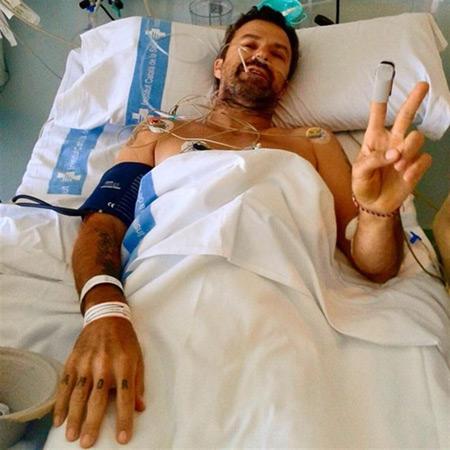 Pau Donés saludando desde el hospital. © Instagram Jarabe de Palo