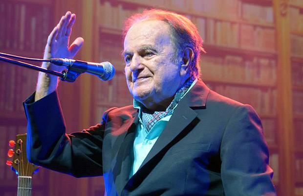 Guy Béart en su concierto de despedida en el Olympia de París en enero de 2015.
