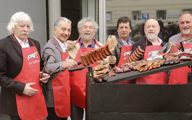 Los integrantes del grupo argentino de humor Les Luthiers, ya sin Daniel Rabinovich, fallecido en agosto, durante la presentación del espectáculo ¡Chist! con el que comienzan su gira el 7 de octubre. © EFE   Ballesteros