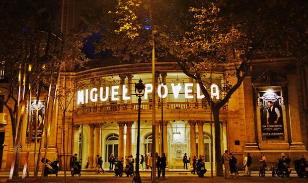 Miguel Poveda en el Teatro Coliseum de Barcelona. © Carles Gracia Escarp