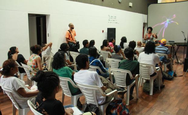 Yusa imparte en Venezuela un taller para aprender a ser libre con la música. © MPPC