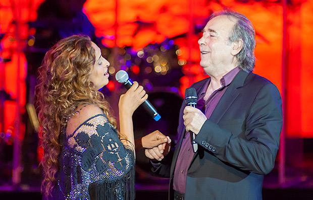 Noa y Joan Manuel Serrat en el Festival Grec de Barcelona 2015. © Xavier Pintanel