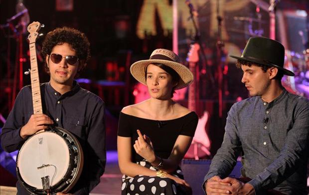 Los miembros de la banda colombiana Monsieur Periné.